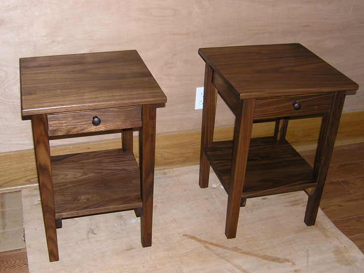 Lovely 1 Drawer 1 Door Shaker Side Table In Natural Walnut