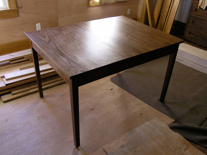 smallwalnutextensiontable